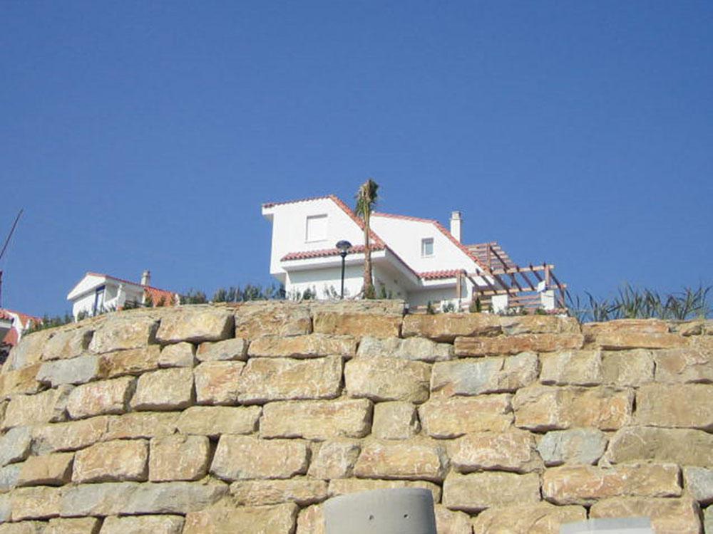 Muro de escollera en Manilva