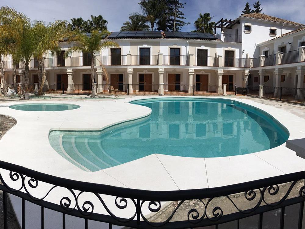 Piscina Hotel Alcotán